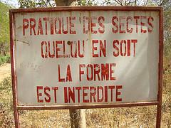 affiche_interdiction_pratique_sectes.jpg